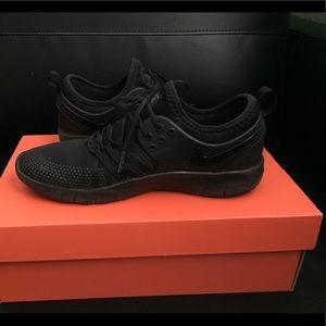 Women's Nike TR 7